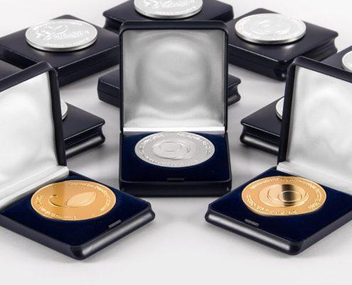 Bild Medaillen für Karsten Klimkes Staudenkulturen - Auszeichnungen